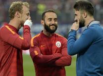 """Trabzonspor'un başarılı file bekçisi Onur Kıvrak, Lig Tv'nin """"QUİZ"""" programına konuk olmuştu. Birbirinden ilginç sorulara eğlenceli yanıtlar veren Kaptan Onur Kıvrak kendisi hakkında bilinmeyenleri de yanıtladı."""