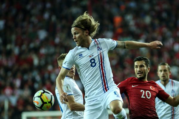 2018 FIFA Dünya Kupası Grup Elemeleri'nde Finlandiya ile deplasmanda 2-2 berabere kalan Türkiye'de sevindirici tek durum Uluslar Ligi'nde 2. torbada yer alacak olması.