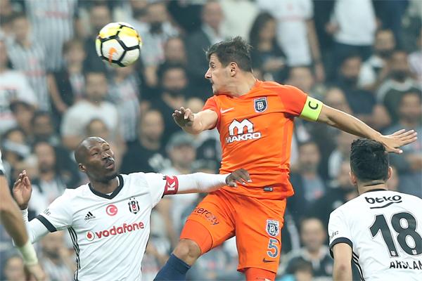 Süper Lig'de haftanın son maçında Beşiktaş ile Medipol Başakşehir karşı karşıya geldi.