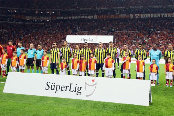 Süper Lig'in ilk 9 haftası itibarıyla en fazla oyuncuya şans veren takım Fenerbahçe olurken, en az değişiklik ise Beşiktaş'tan geldi.