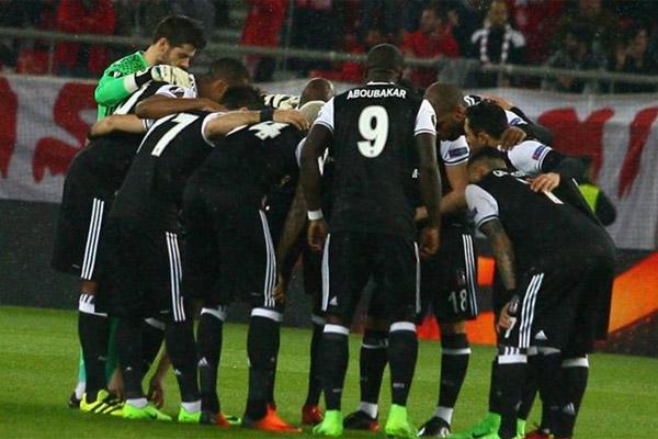 Spor yazarları Olympiakas - Beşiktaş maçını değerlendirdi.