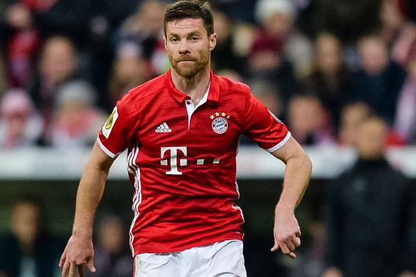 Bayern Münih'in İspanyol orta saha futbolcusu Xabi Alonso, 2009'da Real Madrid'e imza atmadan önce Barcelona'ya transfer olmaya yaklaştığını söyledi.