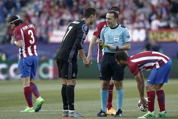 Şampiyonlar Ligi yarı finalinde 3-0 kazandığı maçın rövanşında Real Madrid'i sahasında ağırlayan Atletico maça fırtına gibi başladı.