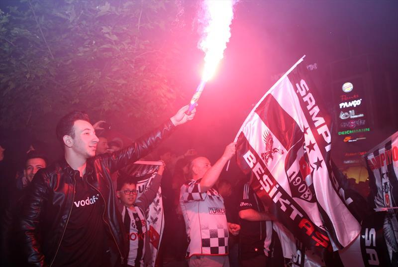 Beşiktaş'ın şampiyonluğu kutlanıyor!