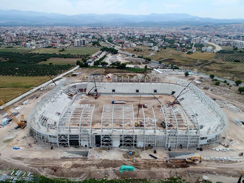 Akhisar yeni stadını bekliyor
