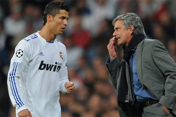 İmaj haklarından elde ettiği geliri gizleyerek, 2011- 2014 yılları arasında 14,7 milyon avro vergi kaçırmakla suçlanan Cristiano Ronaldo'nun, İspanyol devi Madrid'den ayrılmak istediğine dair haberler spor basınını meşgul etmeye devam ediyor.