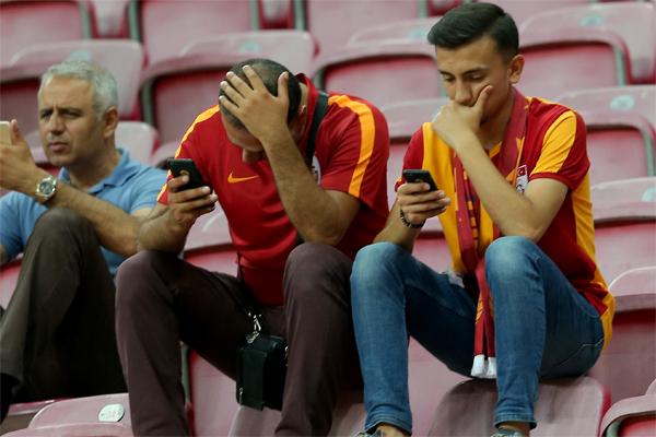 Spor yazarları Galatasaray - Östersundunds maçını değerlendirdi.