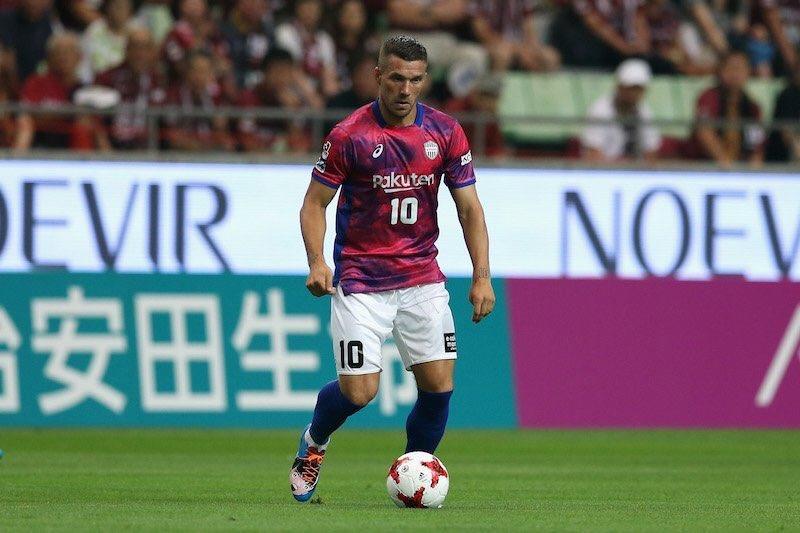 Podolski Japonya'yı yine salladı!