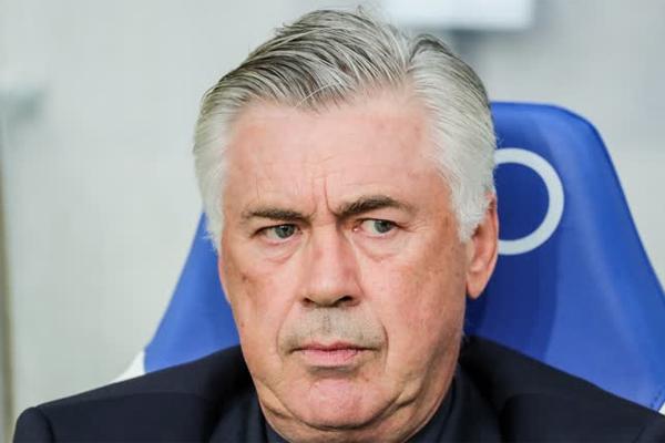Bayern Münih, Carlo Ancelotti yönetiminde sezona yavaş başladı.