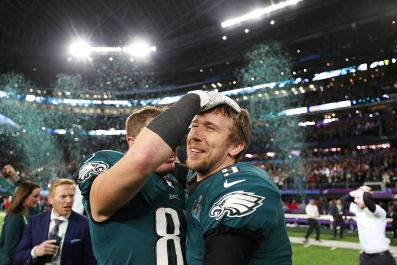 Super Bowl nefesleri kesti