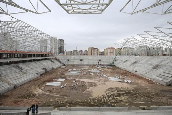 Ankara'nın futbolda yeni yüzü olacak Eryaman Stadı, gelecek sezondan itibaren futbolseverlerin hizmetine sunulacak.