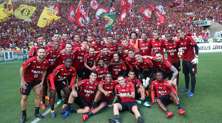 Flamengo antrenmanında izdiham