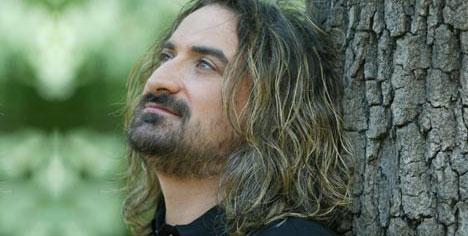 Volkan Konak v Murat İbrahimbaş - uzanamam ben sana.mp3 indir download