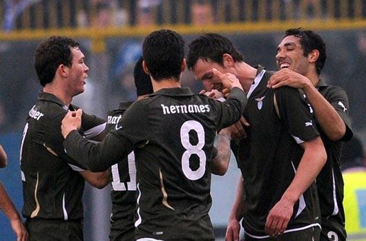 Lazio pes etmiyor!