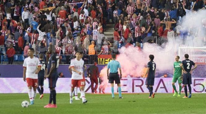 UEFA'dan Benfica ve Atletico'ya ceza
