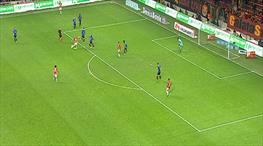 Efsane gol direkten döndü!