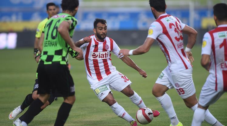 Antalya, Giresun'u tek golle yıktı