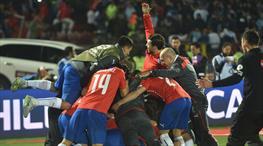 Şili tarih yazdı, Messi yıkıldı!..