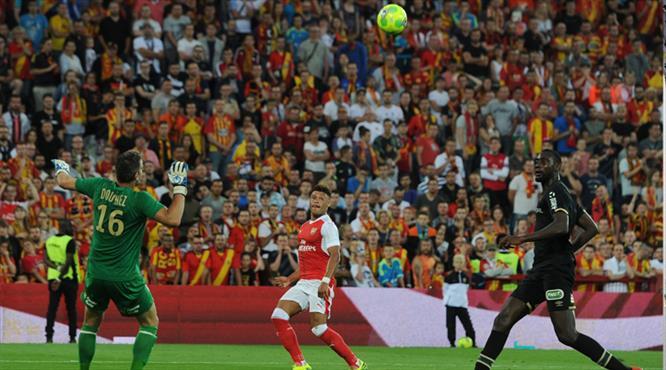 Wenger'i Chamberlain kurtardı! (ÖZET)