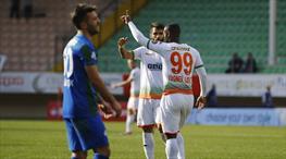 Haftanın golüne ilk aday geldi! Vagner Love'dan klas gol!