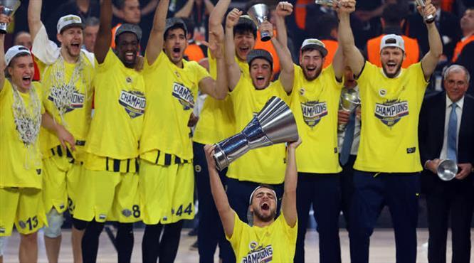 Dünya Fenerbahçe'yi konuşuyor!