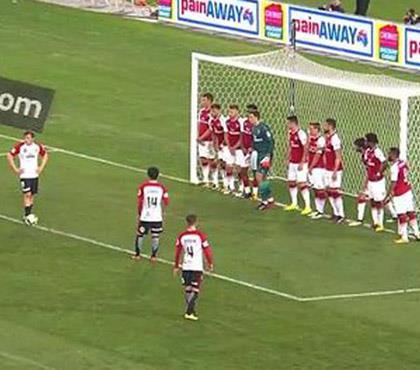 Arsenal ne yaptıysa olmadı!