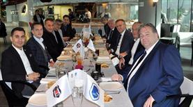 Beşiktaş'tan dostluk yemeği!