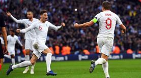 İngiltere 7 dakikada bileti kaptı
