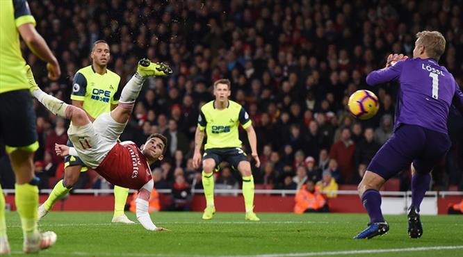 Arsenal müthiş golle hayat buldu! (ÖZET)