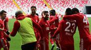 Demir Grup Sivasspor - Göztepe: 2-0 (ÖZET)