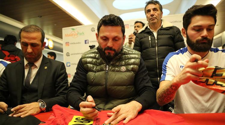 EY Malatyasporlu futbolcular imza gününde