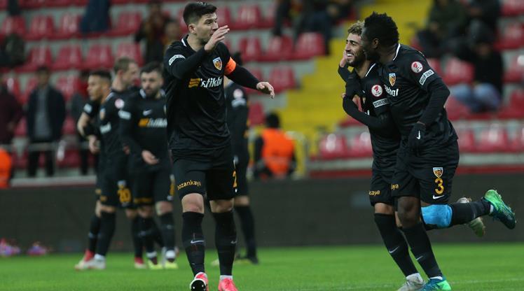Kayserispor bileti 4 golle aldı