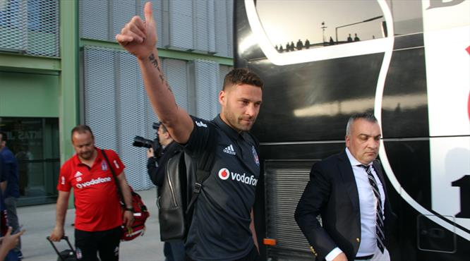 Beşiktaş Tosic'i resmen açıkladı