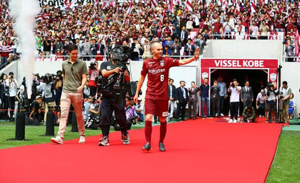 Japonya'da Iniesta izdihamı!