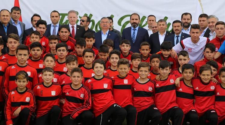 Sivas'tan futbol okulu projesi