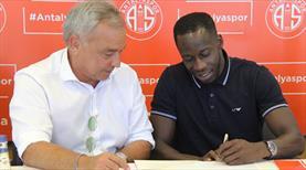 Aly Cissokho Antalyaspor'da