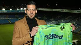 Casilla Leeds United'a transfer oldu