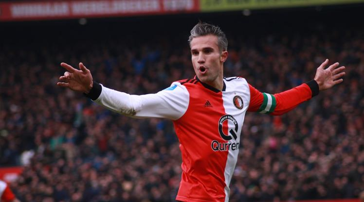 8 gollü derbiye Van Persie damgası! 2 gol birden attı (ÖZET)