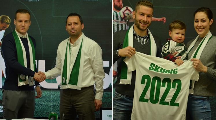 Atiker Konyaspor'da imzalar peş peşe geldi!