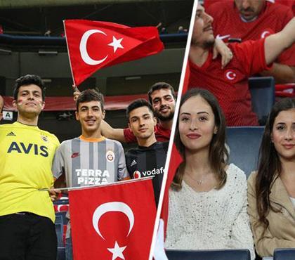 Kadıköy'de kırmızı beyaz coşku