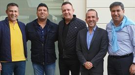 Mehmet Özdilek yeniden Süper Lig'de