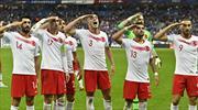 UEFA'dan millilerin asker selamına soruşturma