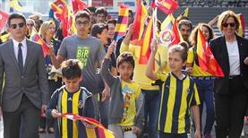Fenerbahçe'den Ata'ya saygı yürüyüşü