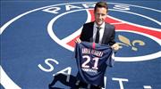 Paris Saint-Germain dev transferi resmen açıkladı