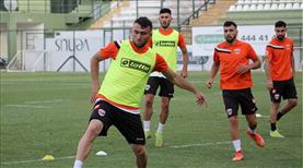 Adanaspor'da yeniler sahaya indi