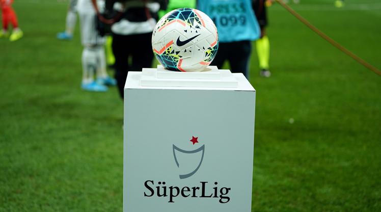 Porto forması giymiş kaç futbolcu Türkiye liglerinde oynamıştır?