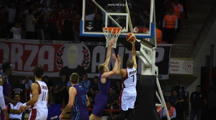 Gaziantep Basketbol galibiyetle başladı