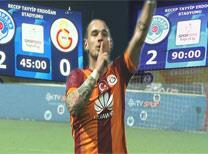 Sneijder Sabri'ye özendi
