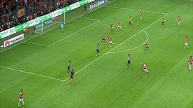 İşte Sneijder'in 1. füzesi