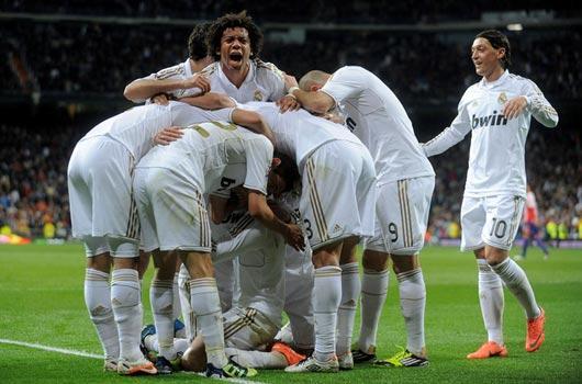 Real kaçıyor Barça kovalıyor